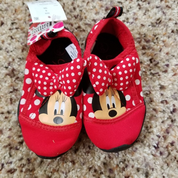 ffa7cc3eba8c NWT Toddler Girls Minnie Mouse Watershoes